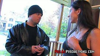 Nextdoor brunette Malena gets quietened with hard dick of her new neighbor