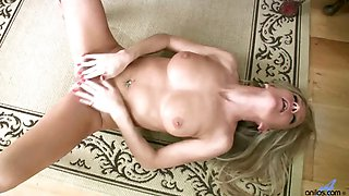 Sexy housewife Louise Dakotah solo