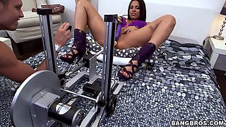 Luna Star gets drilled by a guy and a fuck machine and cums hard