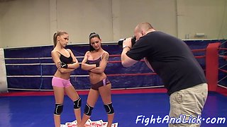 wrestling lezzies pussylicking in sixtynine clip